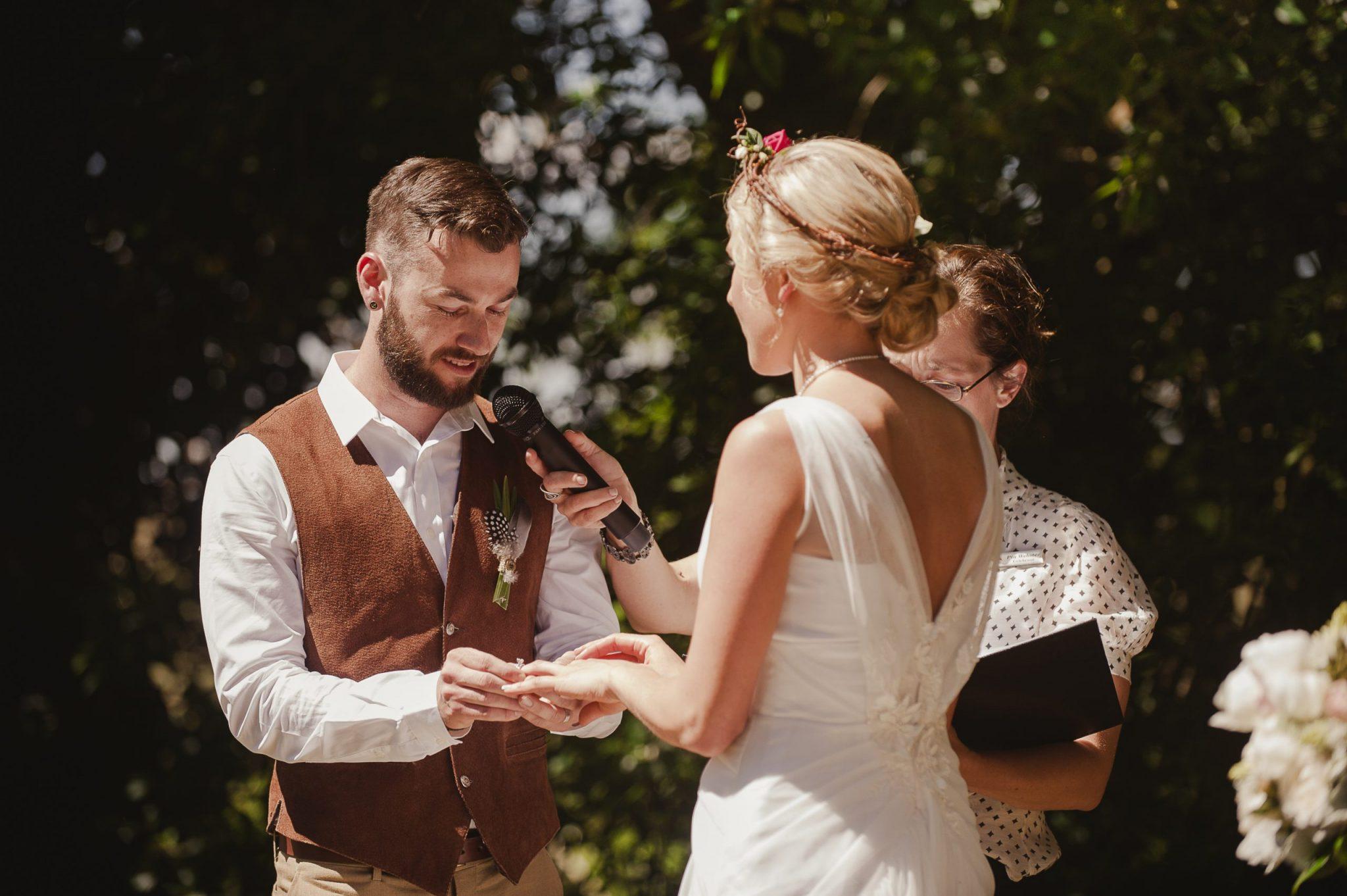 wedding flowers, vintage bride, Daylesford wedding, country wedding, vintage wedding, Bringlebit farm, wedding ring exchange