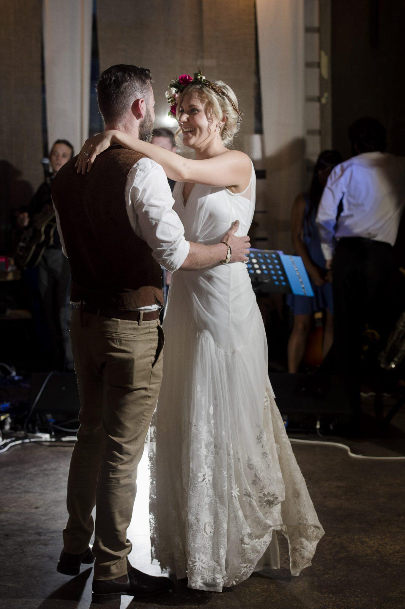 wedding flowers, vintage bride, Daylesford wedding, country wedding, vintage wedding, first dance